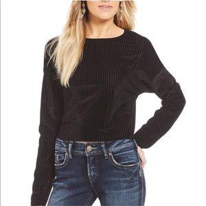 Double zero black velvet crop top long sleeve